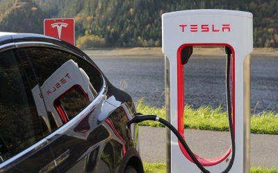 Une compagnie de taxi néerlandaise poursuit en justice Tesla !